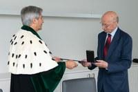 Ehrenmedaille der TU Dresden für Akademie-Mitglied Prof. Winfried Hacker