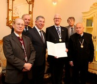 Ehrensenatorenwürde der Bergakademie für Akademie-Mitglied Ulrich Groß