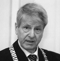 Uwe-Frithjof Haustein zum Ehrenmitglied der DSTIG ernannt